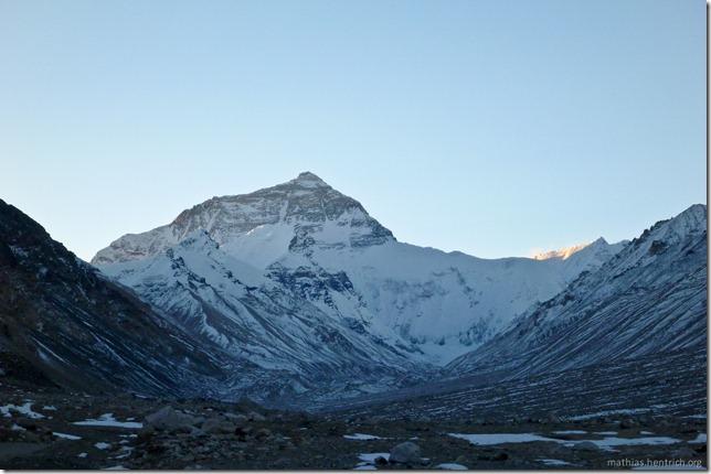 101105_P1020346_China, in Tibet, Mount Everest Region, Mount Everest, Fernansicht, Sonnenaufgang