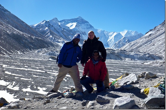101105_P1020375_China, in Tibet, Mount Everest Region, Mount Everest, Michael, Mathias, Ingrid