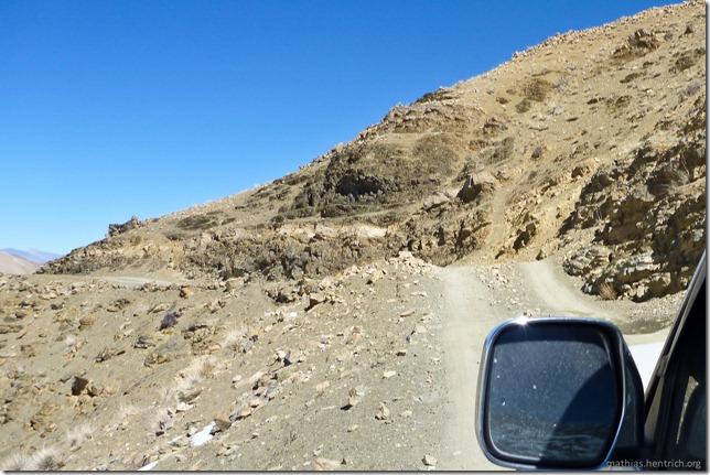 101105_P1020437_China, in Tibet, Mount Everest Region, Autofahrt, Abhang