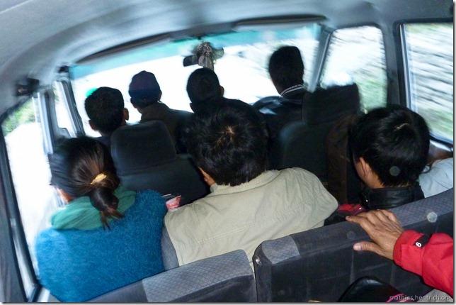 101106_P1020482_Nepal, nach Kathmandu, unterwegs, im Taxi