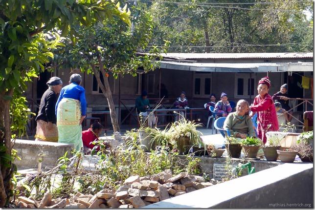 101111_P1020651_Nepal, Kathmandu, Mutter Theresa Altenheim, Leute