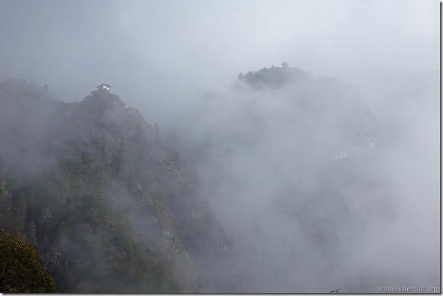 101119_P1030226_Bhutan, Paro, Tigers Nest, Nebel