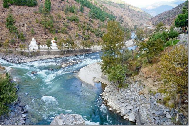 101119_P1030361_Bhutan, unterwegs, unterwegs, Flußkreuzung