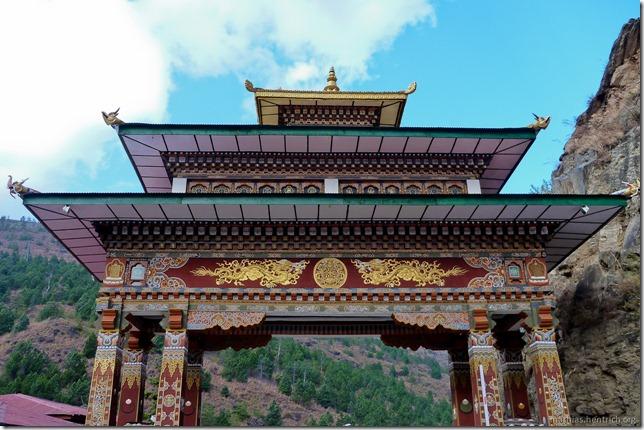 101119_P1030368_Bhutan, unterwegs, unterwegs, Tor zu Thimphu
